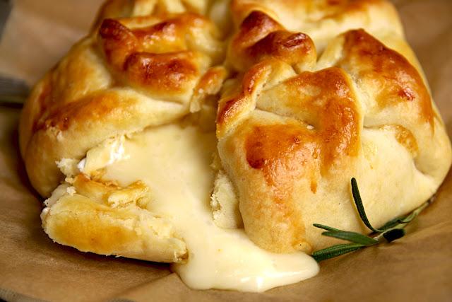Zapiekany camembert