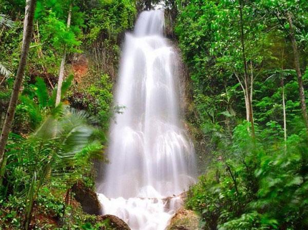 Air Terjun Grojogan Sewu Kulon Progo