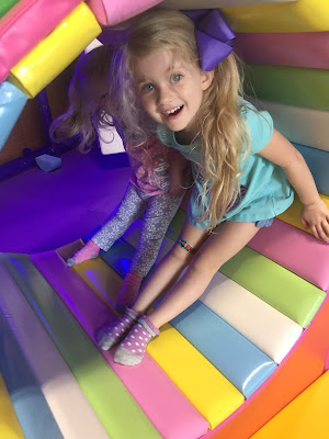 20 Summer Bucket List Activities - Your Guide to Summer Fun. Family fun activities to do in and around Huntsville and the North Alabama area. Let's Play