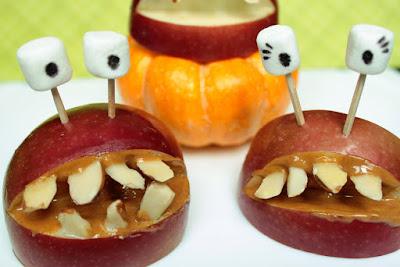 яблоки, пирог яблочный, шарлотка яблочная, из яблок, пироги, еда, кулинария, рецепты кулинарные, советы кулинарные, кухня, к чаю, праздничный стол, пироги яблочные, как испечь яблочный пирог, Домашний бело-розовый зефир, Идеальный яблочный пирог, Оладьи из тыквы с яблоком и изюмом, Сыпучий пирог с яблоками, Тонкие блинчики с карамелизированными яблоками, Тыквенно-яблочные оладьи, Французский яблочный пирог «Татен», Яблоки в глазури с корицей и бренди, Яблоки в карамели на палочке, Яблочная шарлотка, Яблочно-творожные оладьи из тыквы, Яблочные монстры — рецепты и идеи на Хэллоуин, Яблочные пончики с корицей, Яблочный зефир по ГОСТу, как испечь яблочный прог, как приготовить яблочную шарлотку, рецепты на Хэллоуин, Halloween, All Hallows' Eve, All Saints' Eve, закуски на Хэллоуин, салаты на Хэллоуин, декор блюд на Хэллоуин, оформление Хэллоуинских блюд, праздничный стол на Хэллоуин, угощение для гостей на Хэллоуин, кухня монстров, кухня ведьмы, еда на Хэллоуин, рецепты на Хллоуин, блюда на Хэллоуин, оладьи, оладьи из тыквы, тыква, праздничный стол на Хэллоуин, рецепты, рецепты кулинарные, рецепты праздничные, оладьи, тыквенные блюда, блюда из тыквы, как приготовить тыкву, Хэллоуин, на Хэллоуин, из тыквы, что приготовить на Хэллоуин, страшные блюда, блюда-монстры, 31 октября, праздники осенние, Страшные и вкусные угощения для Хэллоуина (закуски, салаты, горячее) http://prazdnichnymir.ru/ Хэллоуин — подборка праздничных рецептов и идейрецепты из яблок, рецепты с яблоками, что можно приготовить из яблок, пироги с фруктами, пироги фруктовые, оладьи с яблоками рецепт с фото, яблочный зефир в домашних условиях, яблоки в домашних условиях, яблочный зефир рецепт с фото, пирог с яблоками рецепт с фото, оладьи рецепт с фото, лучшие рецепты с яблоками, вкусные рецепты с яблоками, пирог на день рождения, рецепты на яблочный спас,яблоки, пирог яблочный, шарлотка яблочная, из яблок, пироги, еда, кулинария, рецепты кулинарные, советы кулинарные, кухня, к чаю, праздничный стол, пироги