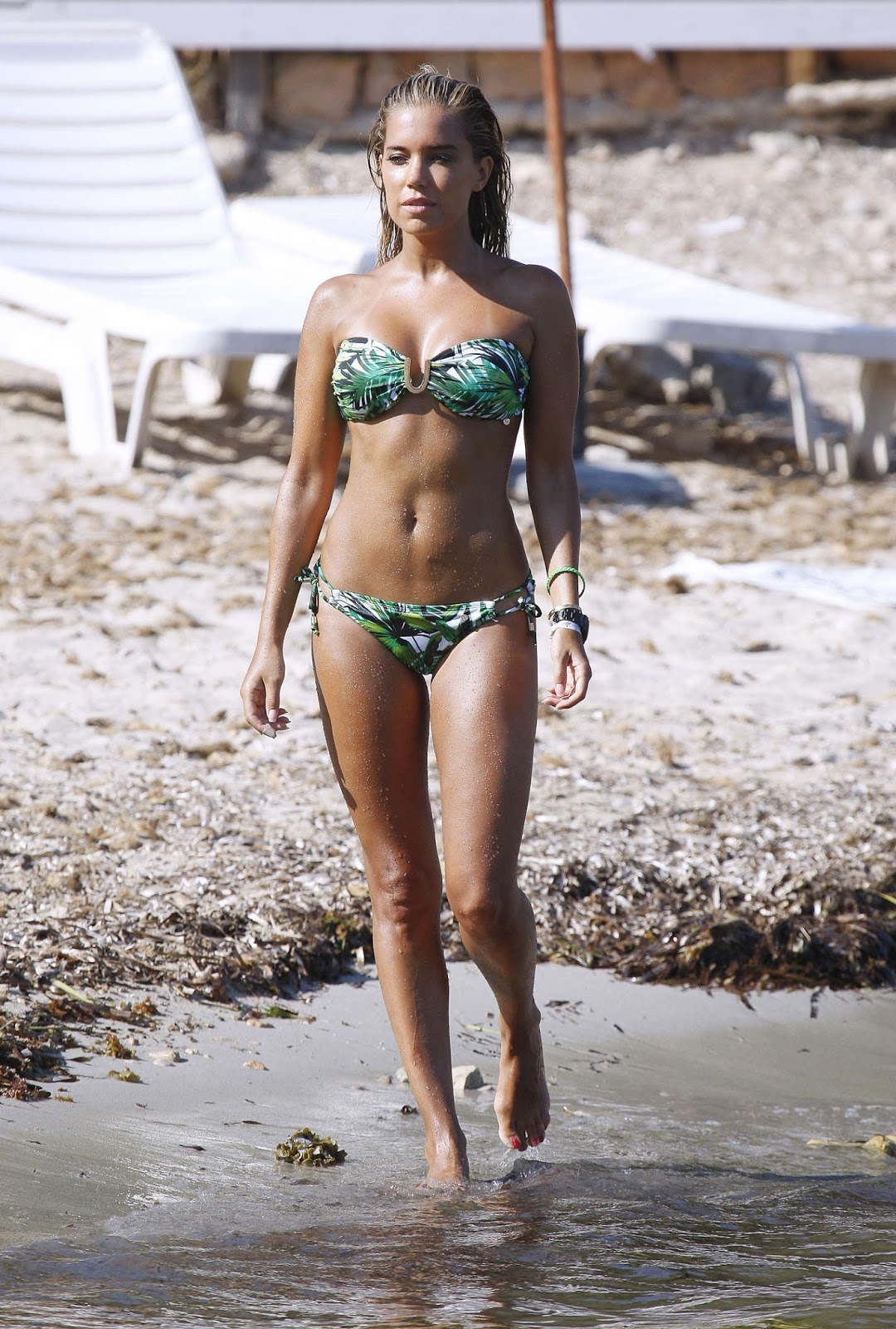 Izabel goulart bikini fall