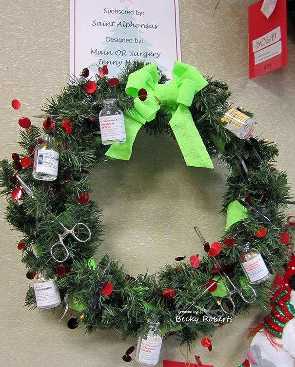 Creative Ideas For Christmas Decorations By A Hospital's Medical Staff - Hospital Decor