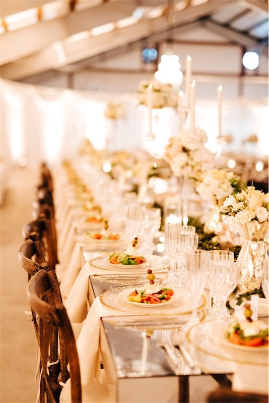 mesa de espejo en boda inspiracion griega chicanddeco