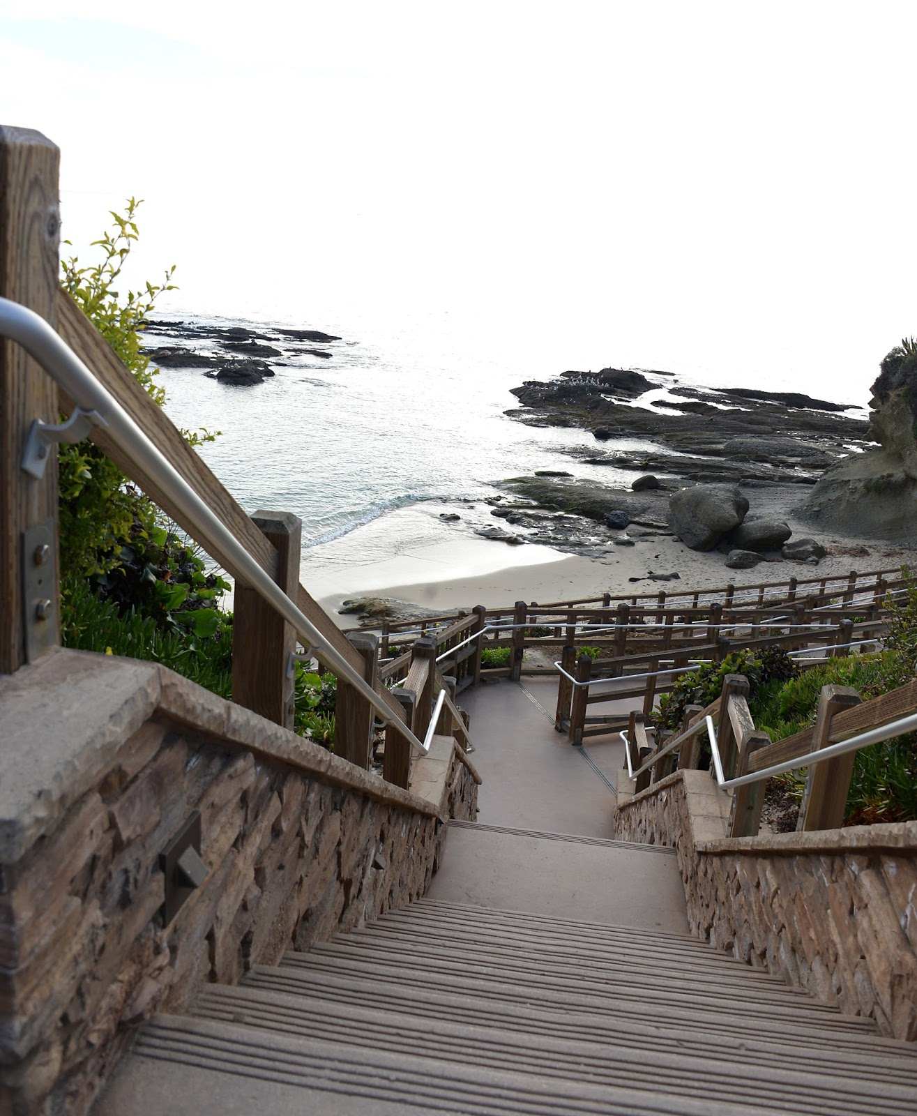 Treasure Island Laguna Beach: Bended Road Photography
