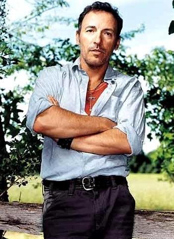 Foto de Bruce Springsteen posando parado