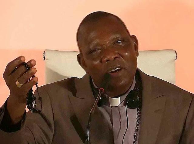 Dom Oliver Dashe Doeme, bispo da diocese de Maiduguri, Nigéria anunciava que o terço daria a vitória sobre o Islã. E agora está se verificando no país