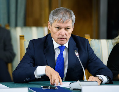 Dacian Cioloș, Cioloș-kormány, oktatás, iskolaigazgatói állások, Románia,