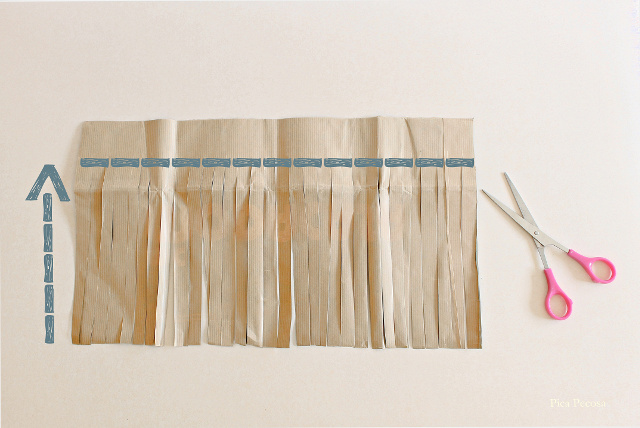 como-hacer-escoba-diy-bolsa-papel-reciclada-paso-1
