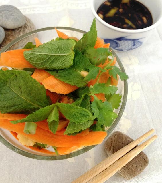 Sweet Kwisine, salade, thaïlandaise, coriandre,menthe, végétarien