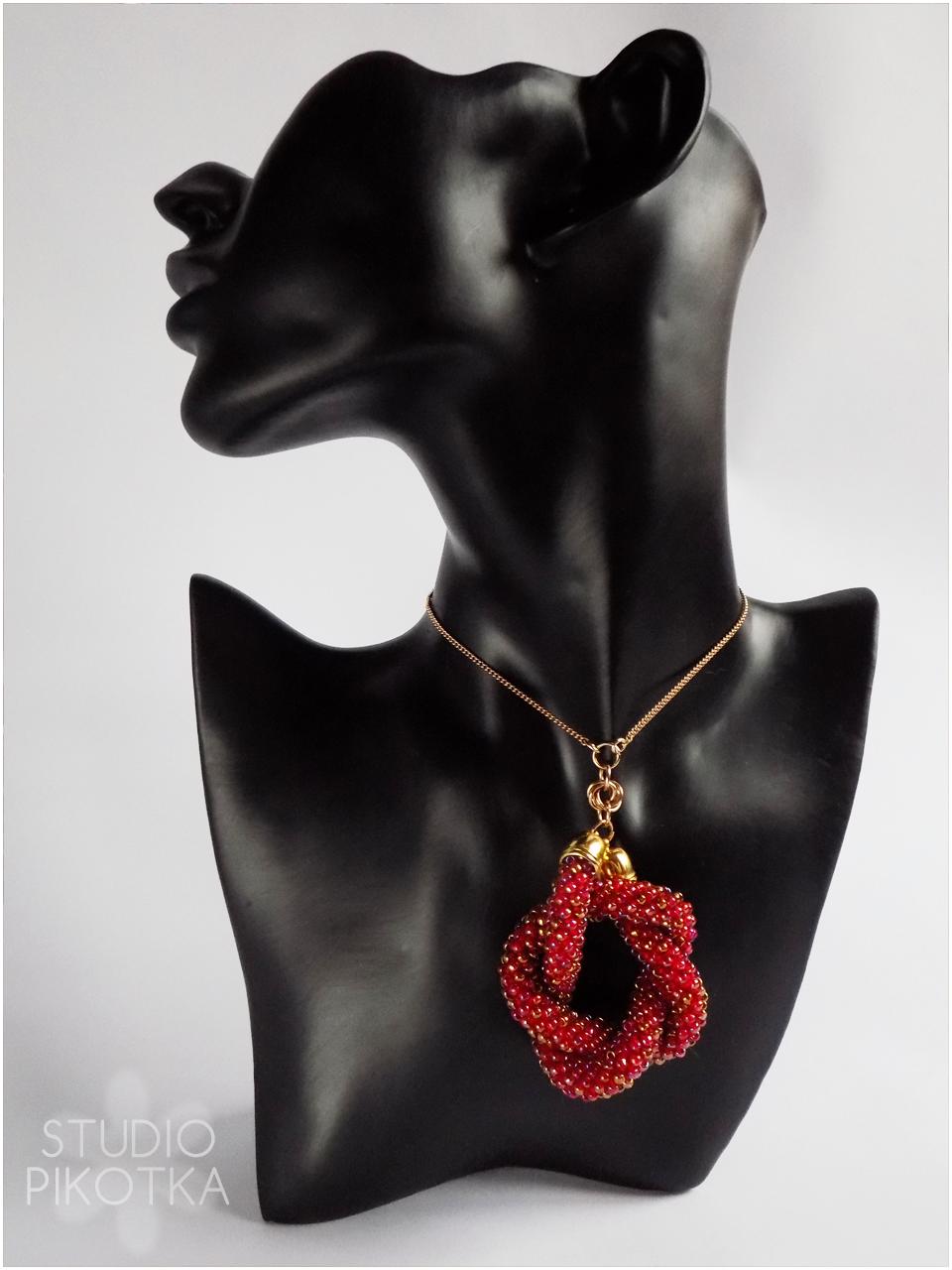 ukośnik, toho round, chainmaille, sznur szydełkowo-koralikowy, rękodzieło, wisior, handmade, biżuteria, jewellery