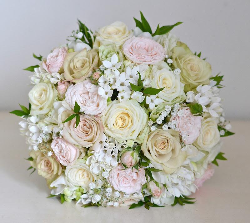 Wedding Flowers Blog: Lizzy's Classic Wedding Flowers