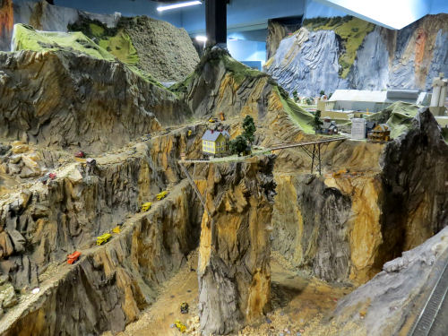 Northlandz model railroad quarry