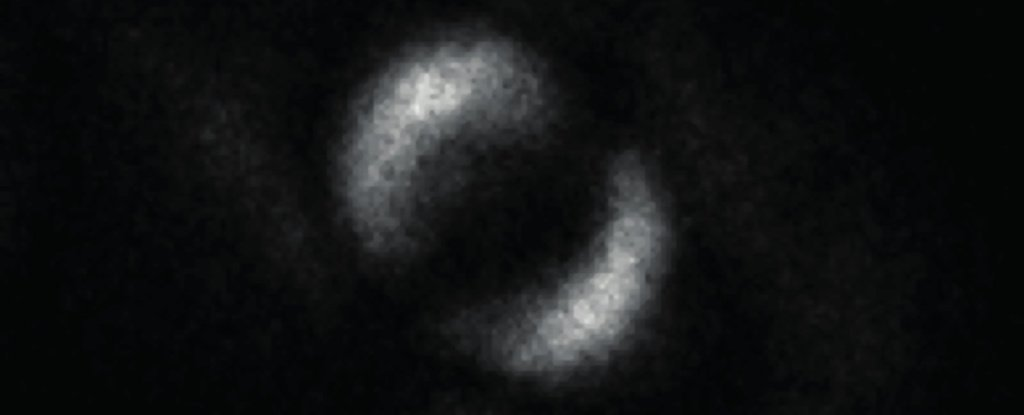 Scientists Just Revealed The First-Ever Image of Quantum Entanglement