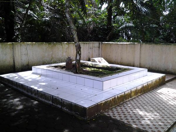 Makam ratu Harisbaya di Dayeuh Luhur