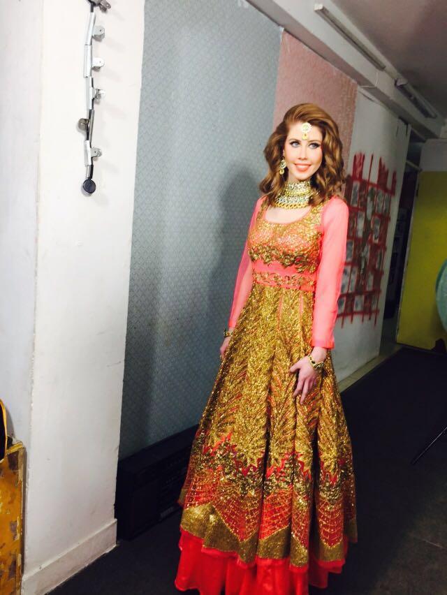 designer gowns in delhi
