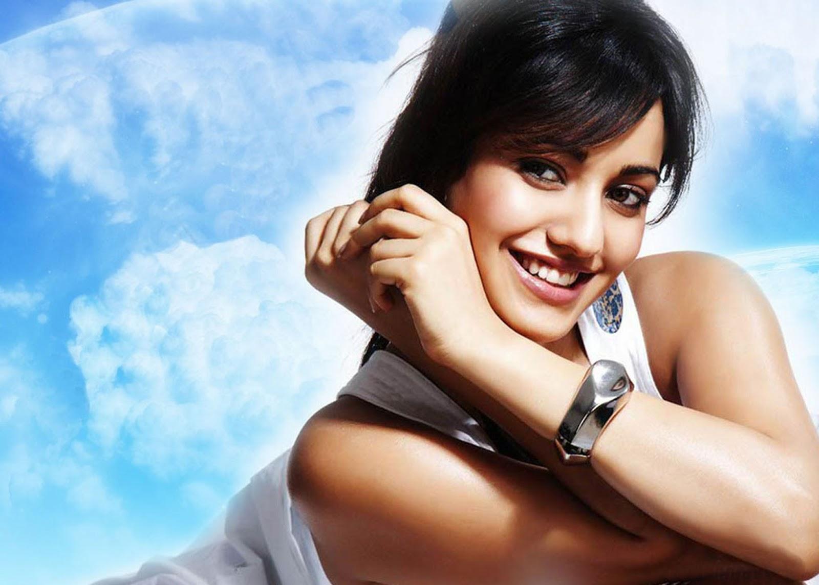 Neha Sharma Sexy Bollywood Actress