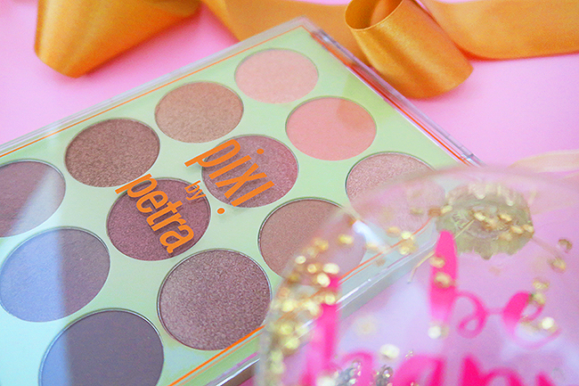 Sara is in Love with… blogger giveaway Pixi beauty influencer Christmas win