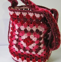 http://www.ravelry.com/patterns/library/grannys-valentine-bag