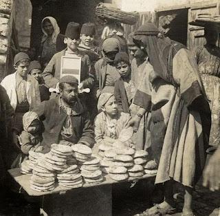 بيع الخبز الأبيض في دمشق 1890