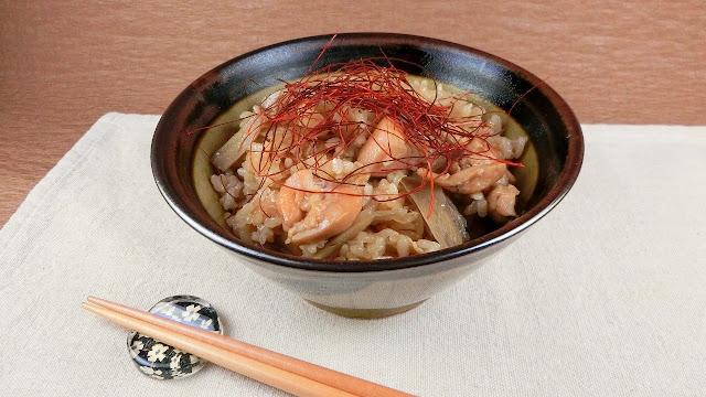 食材2つだけでも美味しい!鶏ごぼうの炊き込みご飯のレシピ
