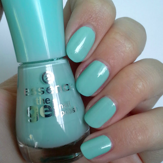 Essence  The Gel Nail Polish (Review and Swatches) 40 play with my mint