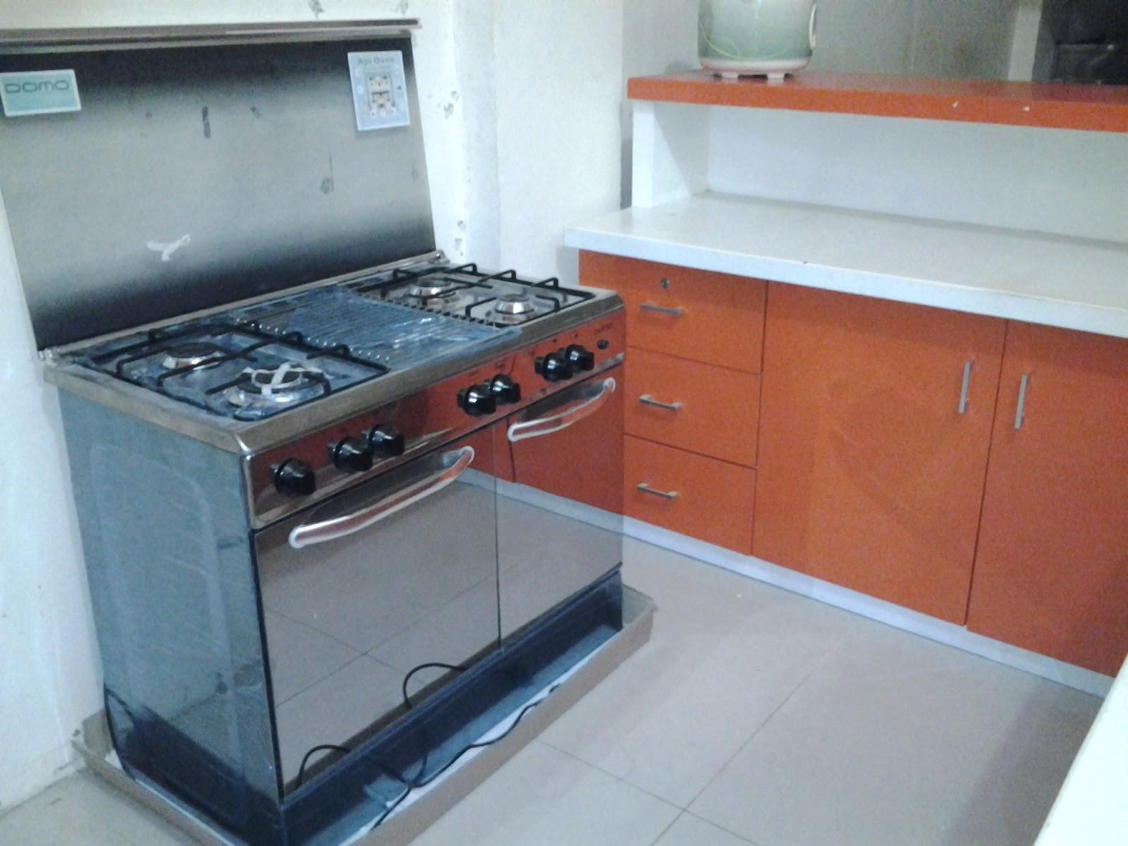 Desain Dapur Dengan Kompor Gas Tanam Interior Rumah