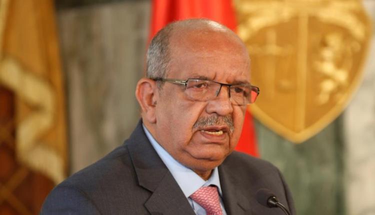 حقوقيون جزائريون: مساهل وصمة عار للدبلوماسية الجزائرية