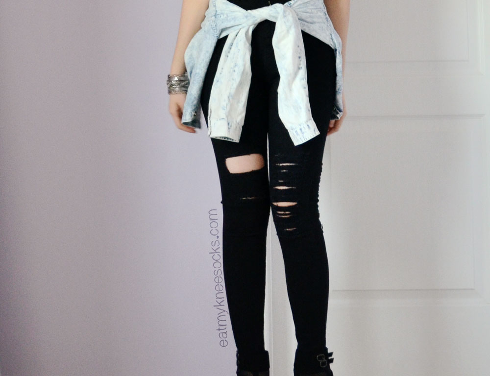 c40f5fd33f8c3 Add a touch of grunge to your outfits with edgy ripped skinny jeans