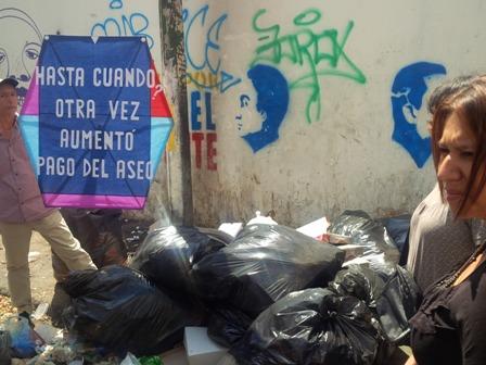 Caraqueños protestaron contra aumento del 350% en tarifas del aseo urbano