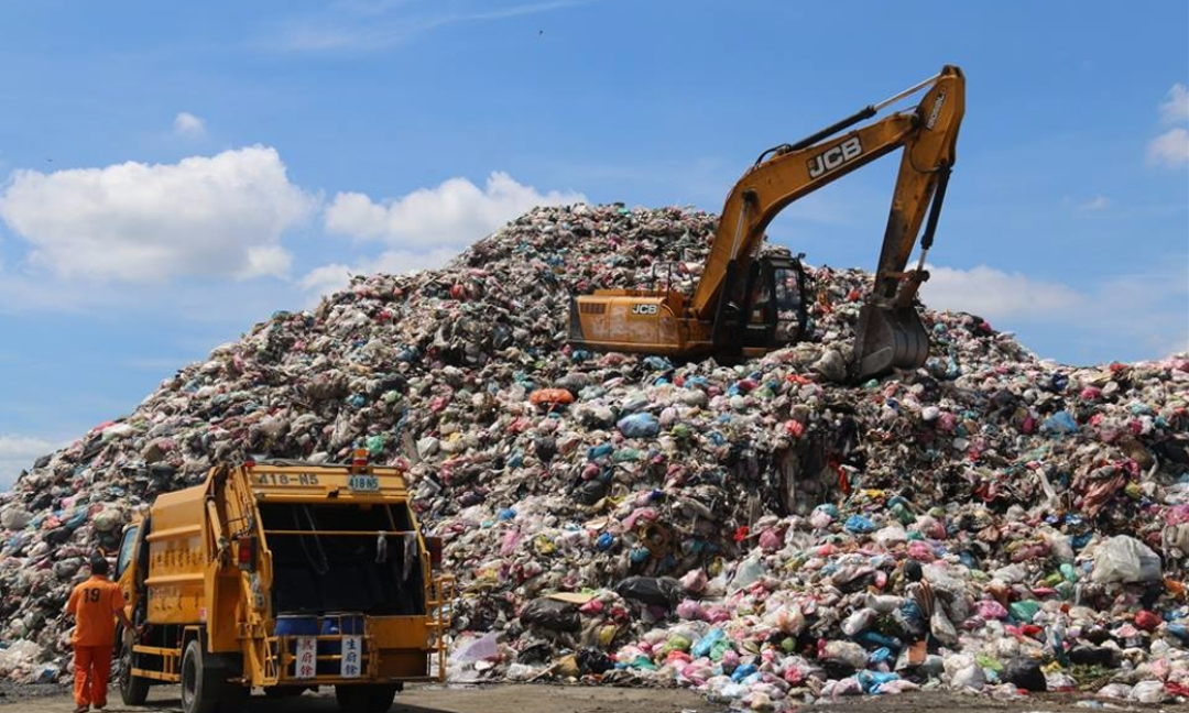 重大議題-雲林縣內垃圾堆積超過2萬8000公噸,底渣5200公噸,還有1800公噸底渣未運回