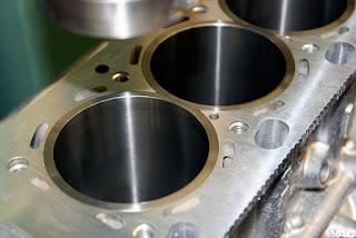 """Canne cilindri a """"secco"""" riportate a pressione e rettificate"""