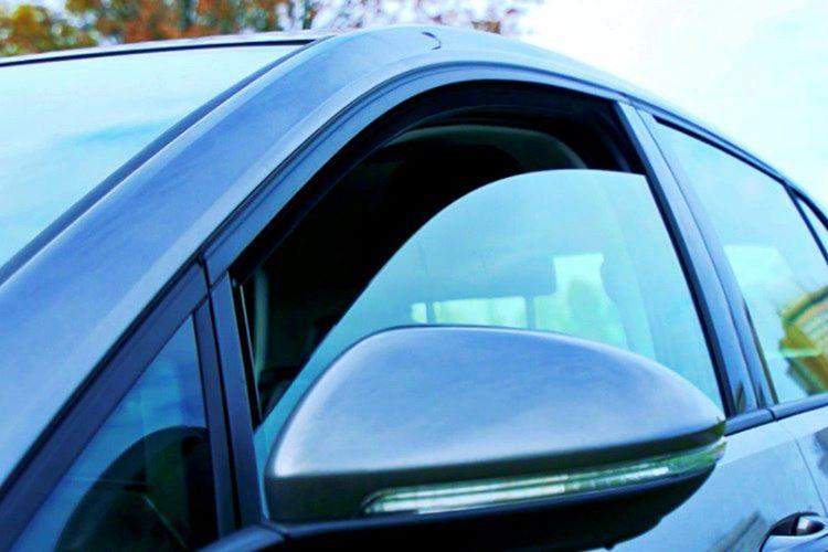 Otomobili havalandırırken çapraz olan pencereleri açarsanız, kötü kokuları daha çabuk araçtan çıkarabilirsiniz.