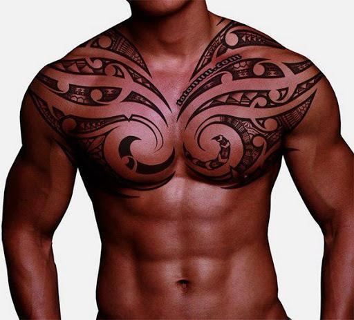 Tatuagem Tribal para os homens no peito o Seu olhar impressionante, você deve tentar!