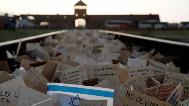 Médico australiano se disculpa tras comparar a los solicitantes de asilo con las víctimas del Holocausto