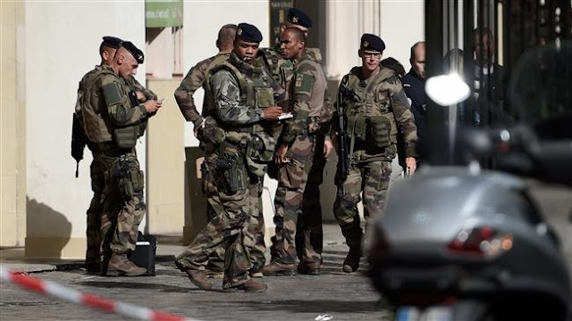 Six French soldiers injured in car ramming near Paris