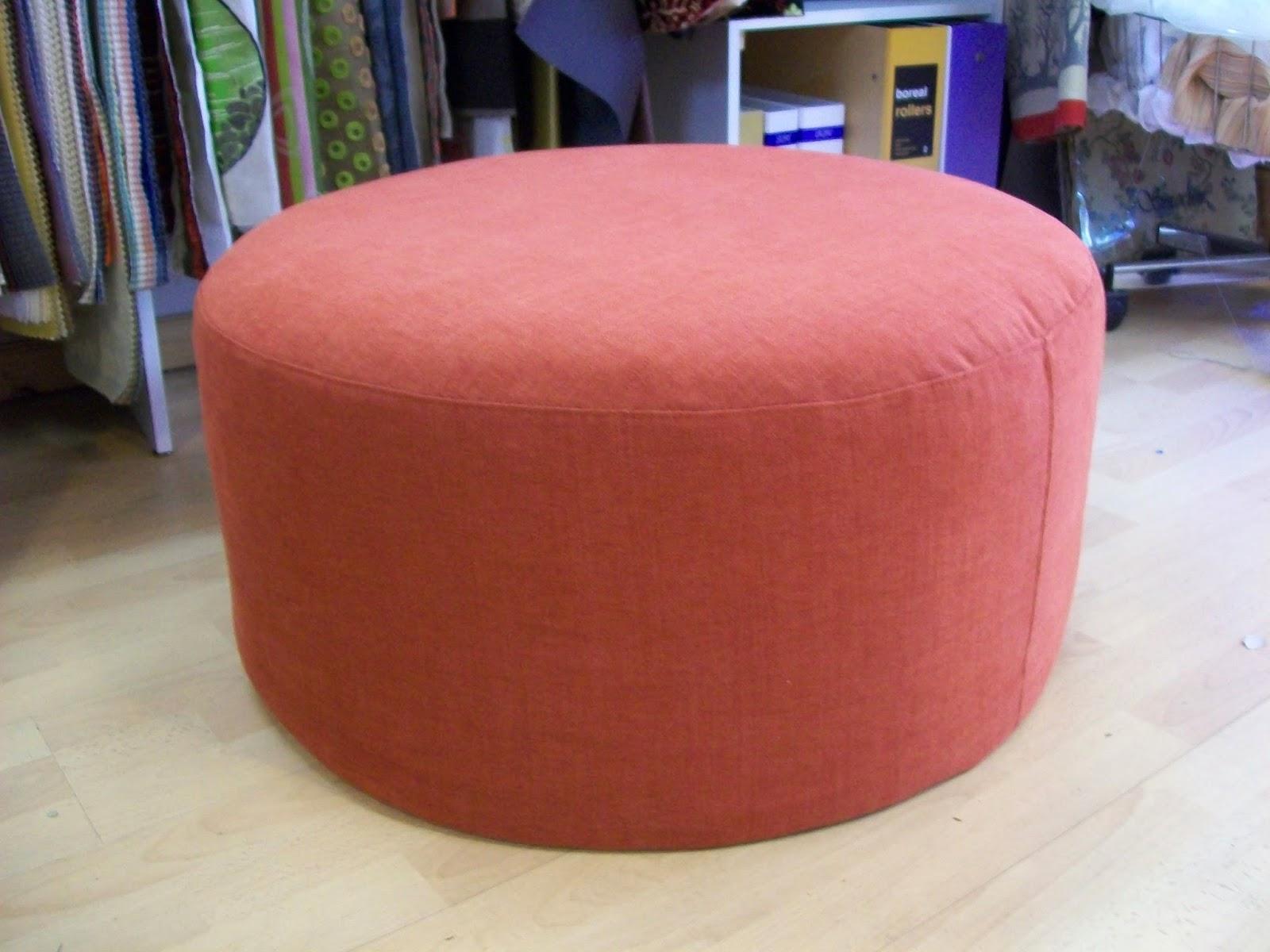 l 39 pouf rond a housse. Black Bedroom Furniture Sets. Home Design Ideas