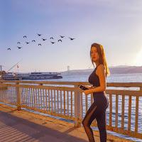 Istanbul, Alessia Siena in una corsetta mattutina sul Bosforo.