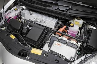 ¿Es más caro el mantenimiento de un  híbrido o eléctrico que el de uno convencional?