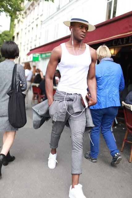 Sharkskin, a cor do inverno 2016, camiseta cinza masculina