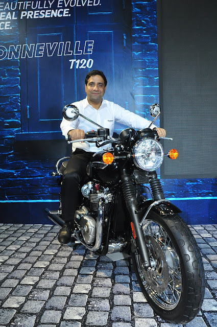 Triumph Launches All New Bonneville T120