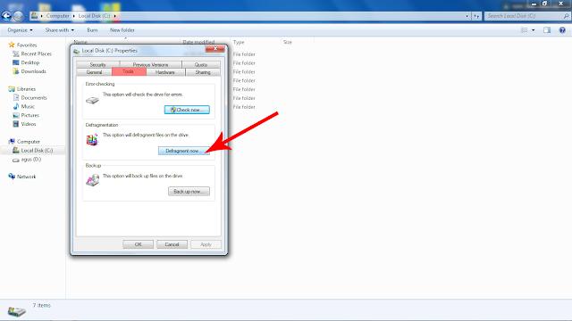 Pada tab tools klik tombol disk defragment now
