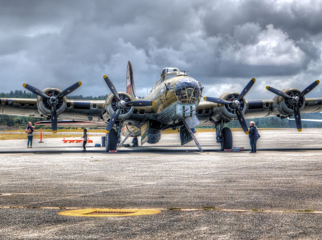 B-17 Flying Fortress HDR
