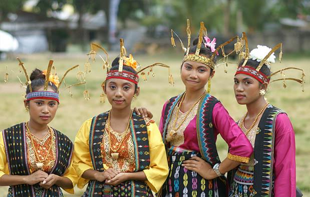 Pakaian Adat NTT Suku Dawan