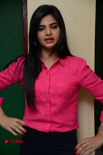 Kamna Ranawat Pictures in Jeans with Selfi Raja Team at Radio Mirchi | ~ Bollywood and South Indian Cinema Actress Exclusive Picture Galleries