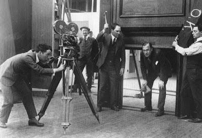 Чарли Чаплин и Бастер Китон на студии Балбоа (ок. 1918 г.) 1