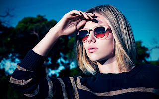 Scarlett Johansson in Sunglasses With Different Frame Model  Outside Sunny HD Wallpaper