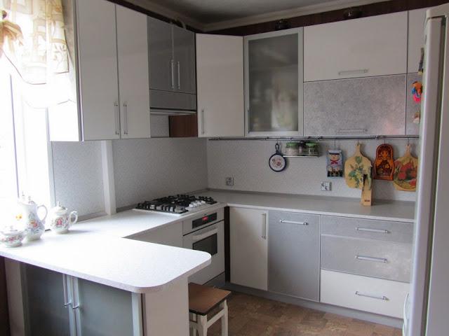 Кухня белом пластик HPLе