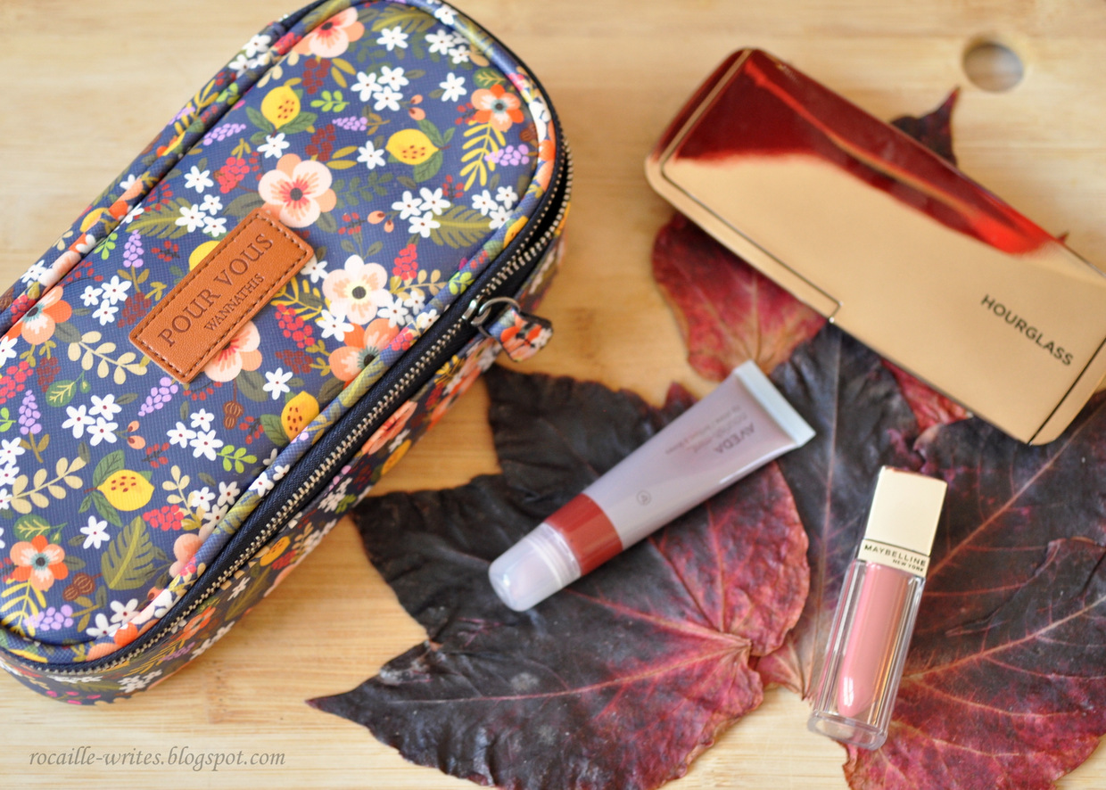 What's In My Daily Make-up Bag: Mom of a Newborn Edition
