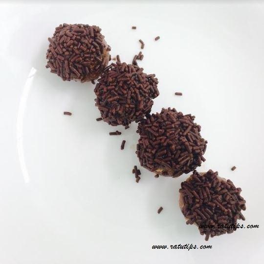Tips dan Resep Membuat Bola Bola Coklat yang Enak, Murah dan Praktis No Oven!