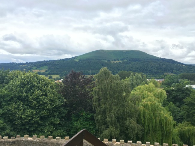 image-of-the-Blorenge-from-Abergavenny-Castle